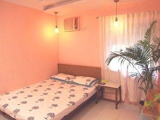 A cozy apartment in Juhu close to the airport