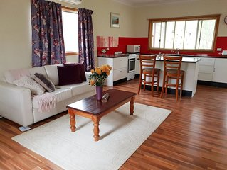 Lucky Mountain Cottage, Hunter Valley. Pet friendly