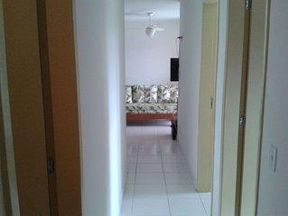 Amplo apartamento, acomoda 8 pessoas confortavelmente.