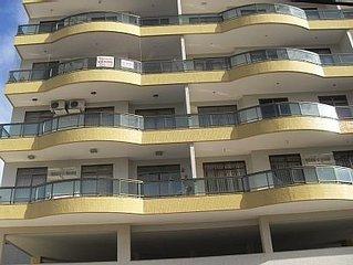 Apartamento extremamente confortável na Praia do Forte. Ar e Lazer Completo!