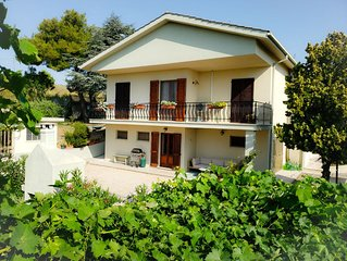 Large, bright, airy 3 bedroom house with amazing panorama views