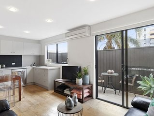 A PERFECT STAY – Manallack Apartments – Whiteley - Located in artsy Brunswick