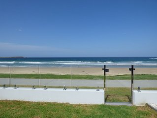 Shellharbour Waves - New Beachfront Home - Shellharbour/Warilla