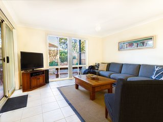 Bennetts Beachhouse HAWKS NEST with GAMES ROOM & POOL + 150m to beach