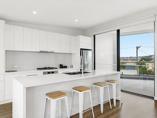 Ocean Views in Central Torquay - Premium townhouse living