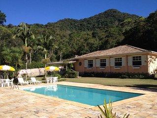 Linda casa piscina e serviço incluido - reserva biológica Araras Fazenda Inglesa