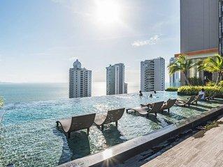 Immerse Pattaya sea view with Sky pool, Pattaya