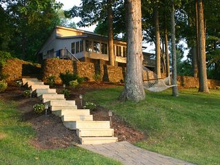 Beautiful Point lot, Private and Serene