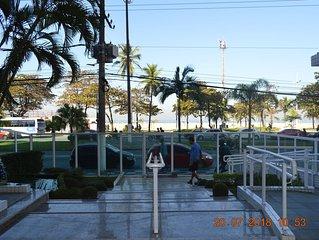 Melhor ponto do Gonzaga, prédio frente ao mar, garagem privativa, 3 shoppings...
