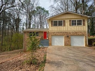 Spacious 4BR Home in Stone Mountain