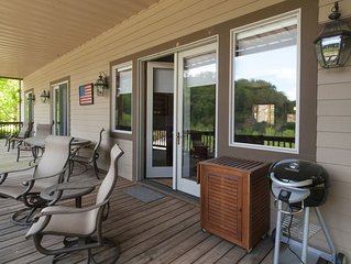 Beautifully Appointed Smoky Mountain Country Club Condo