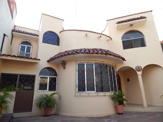Big and beautiful house, well located close to la madera beach, downtown Zihua