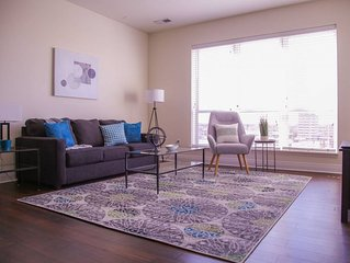 LUXE & MODERN DOWNTOWN 1BR W/ BALCONY NEAR DINING
