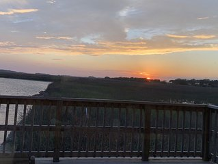 Stunning Folly Sunset Views! Bike to Beach!