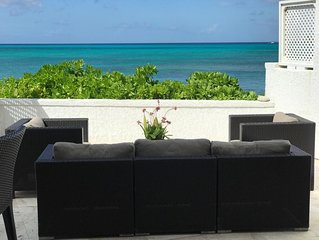 Beautiful townhouse overlooking the ocean in safe private community .