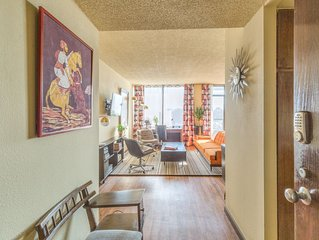 Immaculate, Furnished Vintage Condo