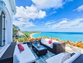 Beautiful Gardens, Path to Beach, Huge Pool, Exclusive Gated Community, AC, Wifi