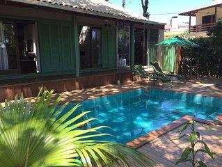 Casa com piscina e vista para o mar na cidade do Beto Carrero (Penha -SC)