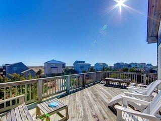 �️ Contemporary Home in Salvo w/ Ocean views + hot tub & more�