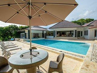 Swimming Pool, Beach Club, AC, Free Wifi, Full Staff, Concierge Service, Great l