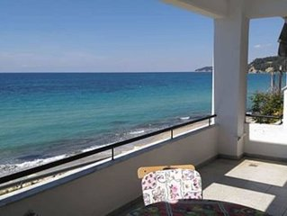 Seaside beach house, 10 ms from the sea, ideal for families