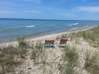 Lake Michigan views, Private Beach! FLEXIBLE CANCELLATION