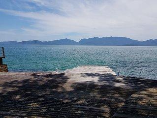 Angra dos Reis - Casa com deck sobre o mar