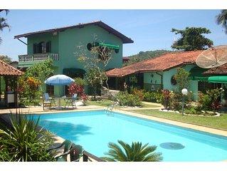 Bela Casa c/7 Quartos sendo 6 suites {confortável lazer playground WIFI}