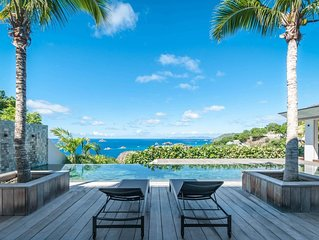 Breathtaking Ocean Views, Long Pool and Covered Terrace, Short Walk to the Beach