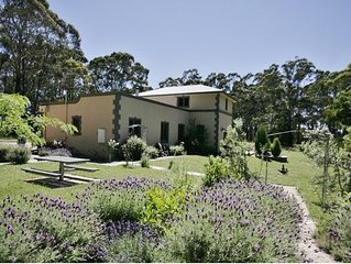 Sailors Falls Estate - Villa B   Complimentary wine for 2 night booking in May