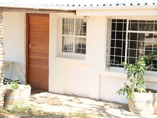 AYAMA Rock House - Beautiful, Cozy Home