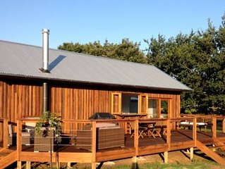 The Lodge Farmstay Fitzroy Falls with daily farm tours