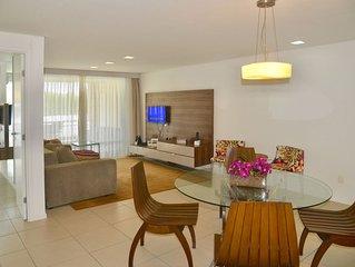 105m², acomoda 7, 3 quartos e 3 banheiros com vista para o mar e piscina
