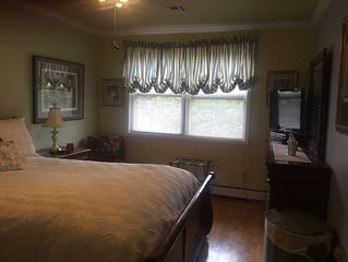 Private Suite (Bedroom w/attached bathroom) close to NYCity & NJ EWR airport #1
