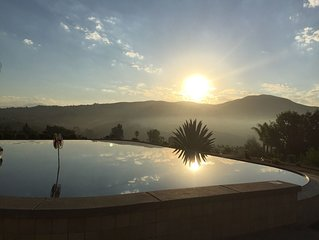 Villa La Serena  Wine Country Home walk to wineries - Infinity Pool Views