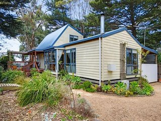 Cottage in the Treetops - 400 metres to beach