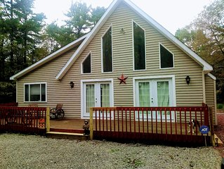 Beautiful Vacation home in Poconos. Enjoy  winter in the mountains.Pet Friendly