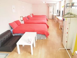 Near Seoul Station. 4Queen Beds Family