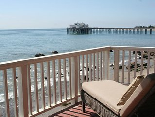 Deluxe Oceanfront Cottage on Dry Sandy Carbon Beach - Sea Lion