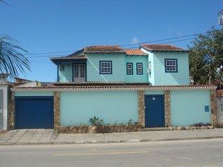 4 Suítes, Piscina- ar -200m Centro Histórico, frente bares, restaurante, etc.