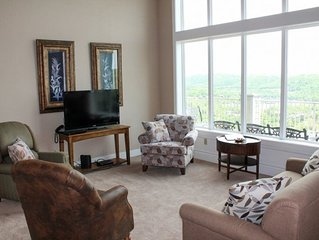 Grand Luxurious Condo--Spectacular Lake Views! Best Vacation Getaway!! Great for