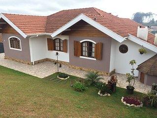 Casa aconchegante e amplo espaço para sua família