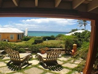 Charming Bermuda Cottage Overlooking The Ocean With Access To The Shore.