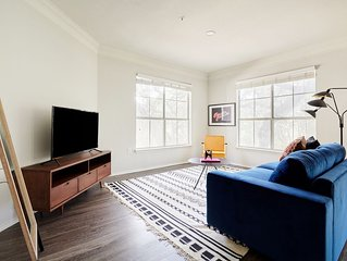 Sonder | South Congress | Spacious 2BR + Balcony