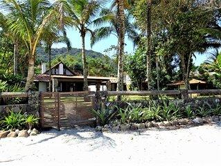 PE NA AREIA Casa 4 suites na praia de Cambury