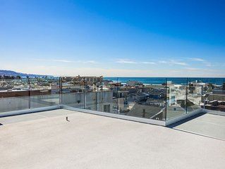 New Cape Beach House With Whitewater Ocean Views & Just 3 blocks from the Beach