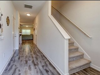 Cozy, Quiet and Well Appointed Dual Master w/  2.5 ba Townhome 4 miles to GSO!!