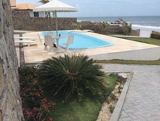 Praia das Fontes(Casa de frente ao mar) Alugo