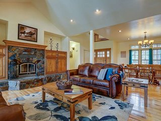 Family & Dog Friendly! 5 Mins from Sunriver, 25 Mins to Mt. Bachelor, Deck w/ Wa