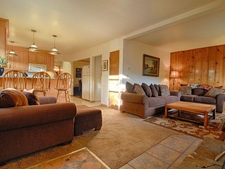 Kings Beach Getaway - Close to Northstar, Wifi, Private Outdoor Hot Tub